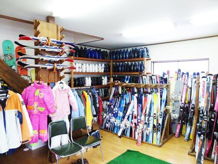 スキー(カービング・他)300台、ボード(オガサカ・他)150台をご用意!